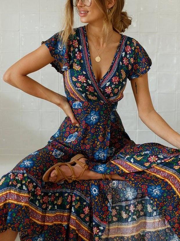 Memakai outfit boho akan memberikan kesan vintage sekaligus elegan.