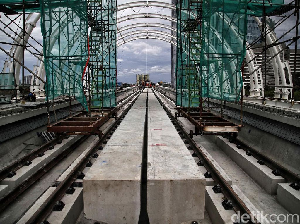 Masih Kurang 20%, LRT Jabodebek Baru Bisa Operasi 2022