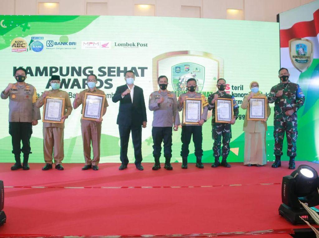 Kadis Kesehatan Lombok Barat Raih Penghargaan Kampung Sehat NTB 2020