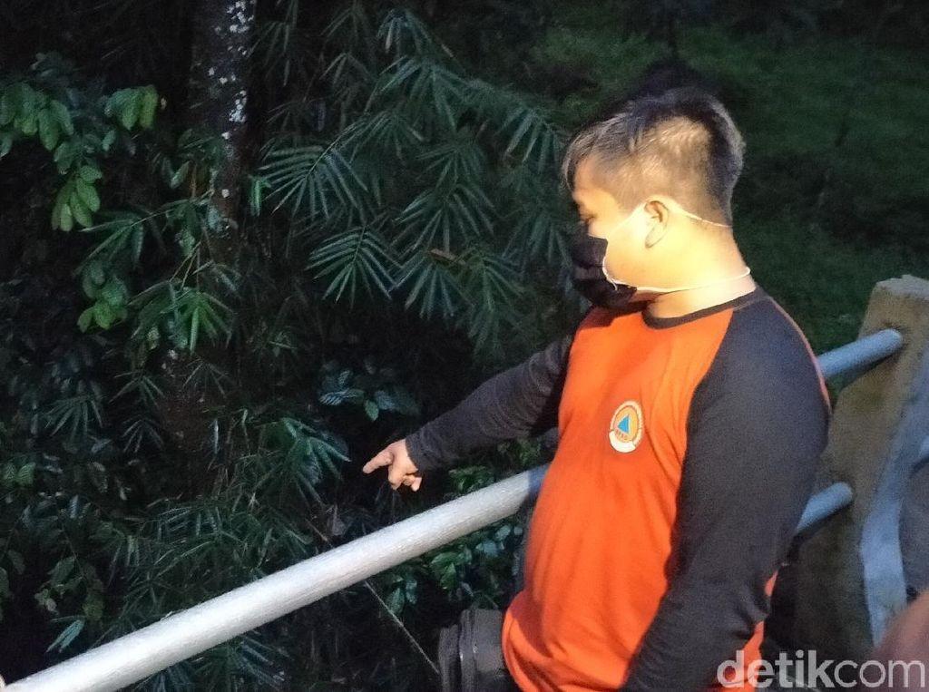 Detik-detik Satu Keluarga di Banyuwangi Terseret Arus Sungai