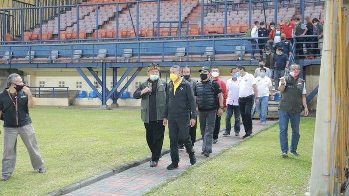 Menpora Zainudin Amali terus meninjau persiapan stadion untuk Piala Dunia U-20 2021.
