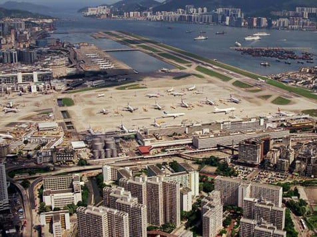 Foto Bandara Pertama Hong Kong Dirombak Besar-besaran