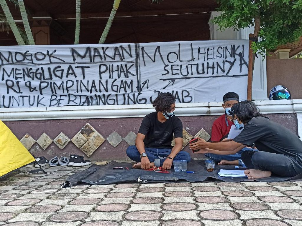 Tuntut Isi MoU Helsinki Dituntaskan, 3 Pemuda Mogok Makan-Kemah di DPR Aceh