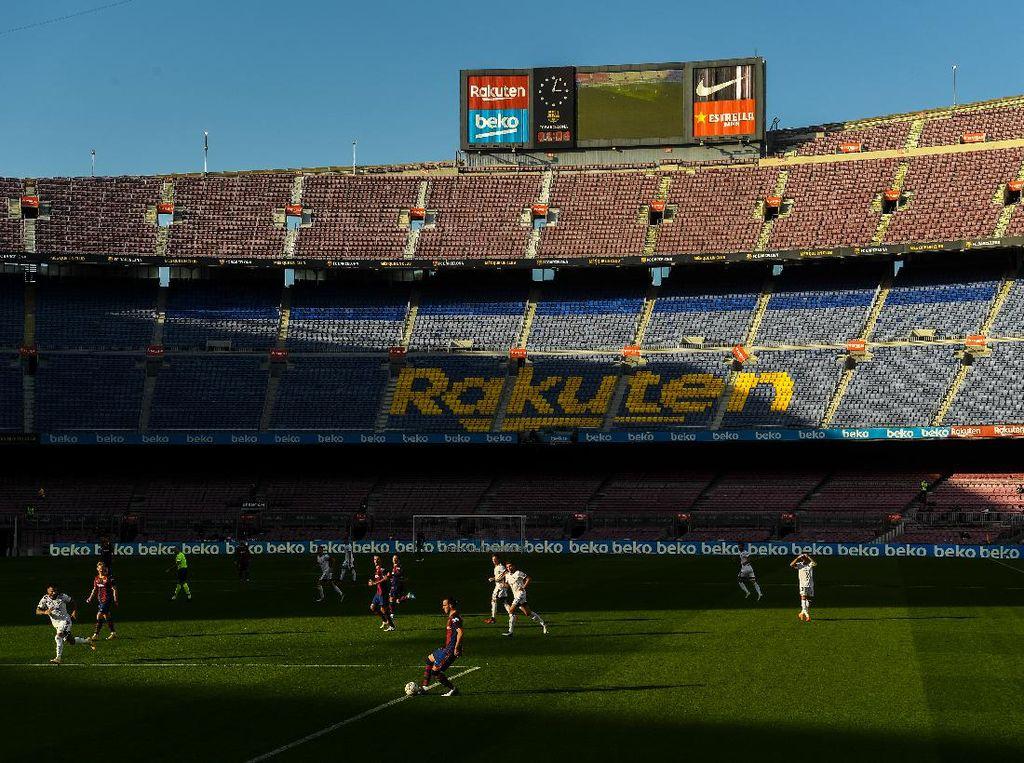 Jangan Terpeleset Lagi, Barcelona