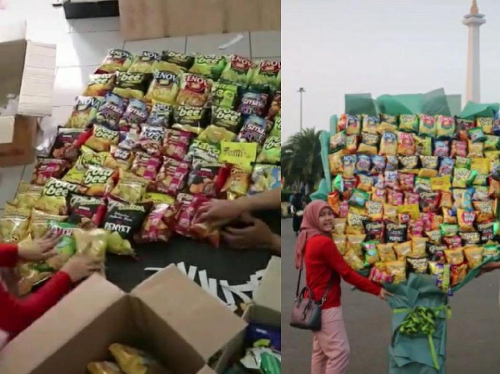 Gokil! Netizen Ini Bikin Buket Snack Jumbo Setinggi 2 Meter