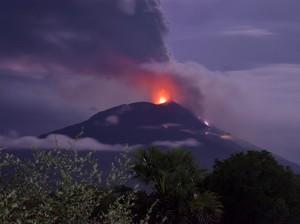 Cerita Haru 4 Bocah-1 Difabel Sempat Hilang Saat Gunung Lewotolok Erupsi