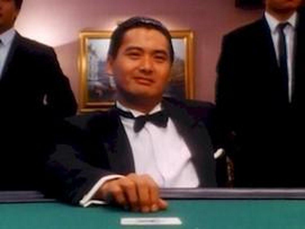 Sinopsis God of Gamblers, Aksi Chow Yun Fat Sang Dewa Judi
