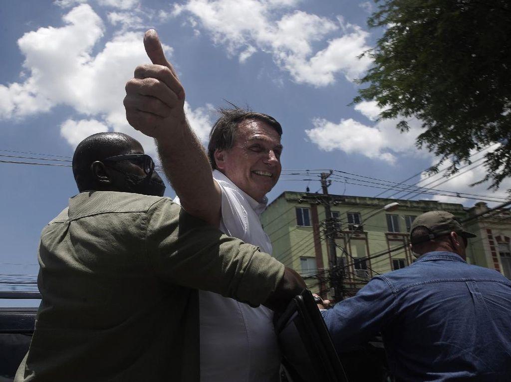 Bolsonaro Ragukan Vaksin Corona, Menlu AS Tuduh Rusia Dalangi Serangan Siber