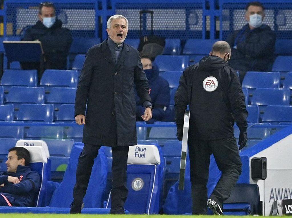 Beginikah Cara Jose Mourinho Sindir Chelsea?