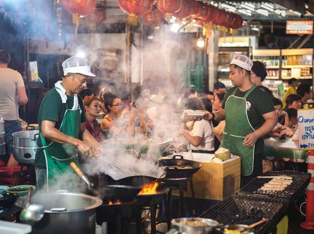 5 Kawasan Ini Jadi Surga Kuliner Malam di Jakarta