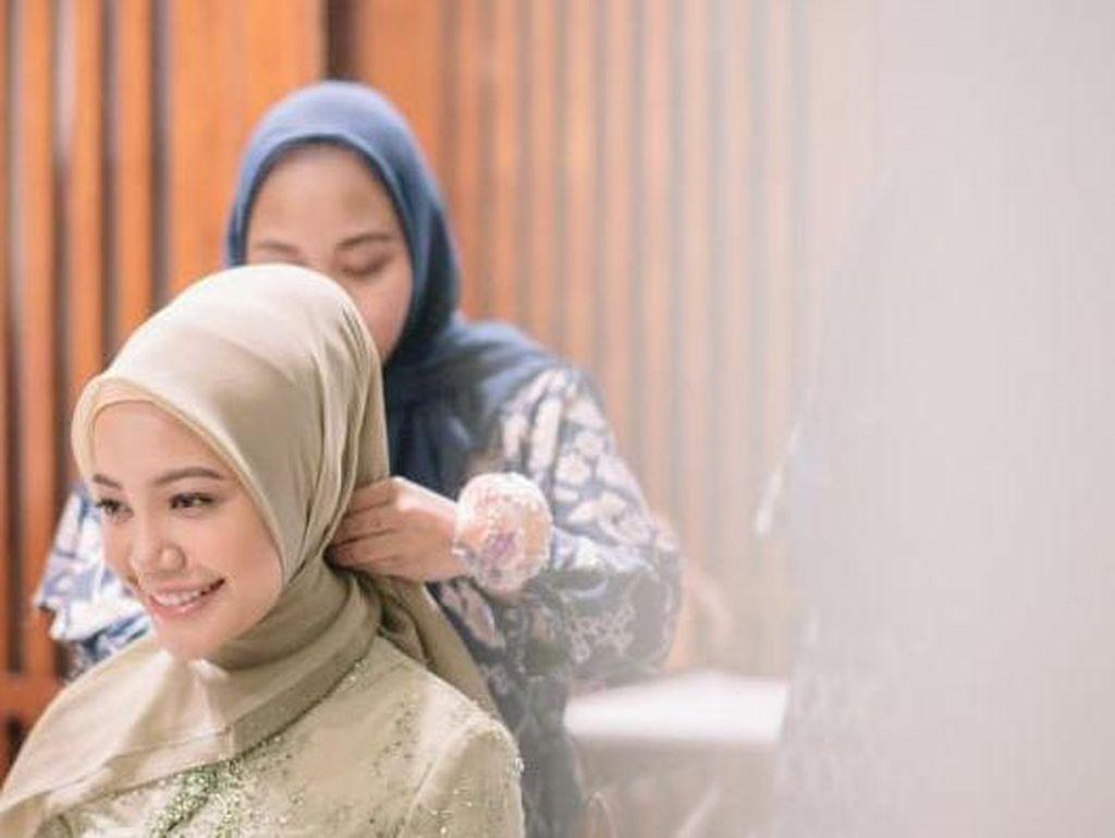 Mengintip Cuan dari Profesi Hijab Stylist yang Sering Dipakai Artis