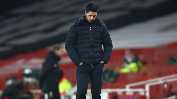 LONDON, ENGLAND - NOVEMBER 29: Mikel Arteta, Manager of Arsenal reacts during the Premier League match between Arsenal and Wolverhampton Wanderers at Emirates Stadium on November 29, 2020 in London, England. Sporting stadiums around the UK remain under strict restrictions due to the Coronavirus Pandemic as Government social distancing laws prohibit fans inside venues resulting in games being played behind closed doors. (Photo by Julian Finney/Getty Images)