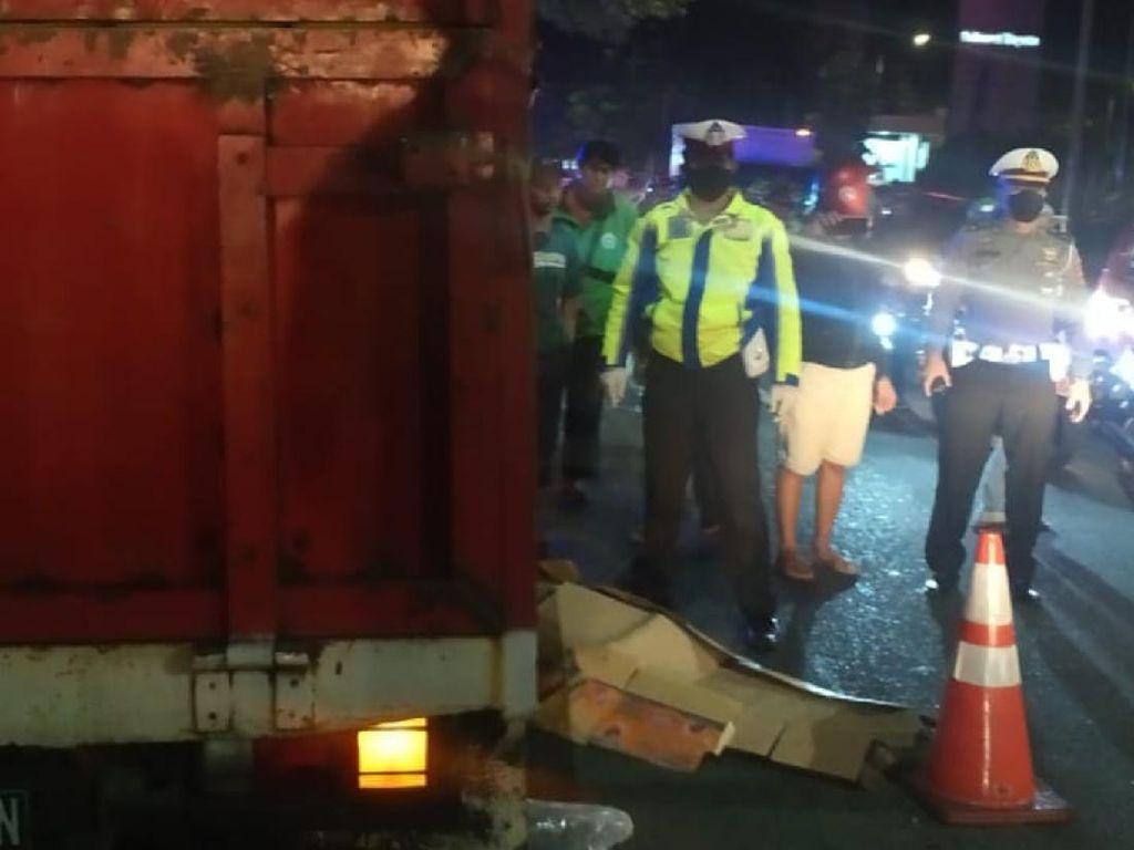 Hendak Nyalip, Pemotor di Sukabumi Tewas Terlindas Truk Muatan Tabung Gas