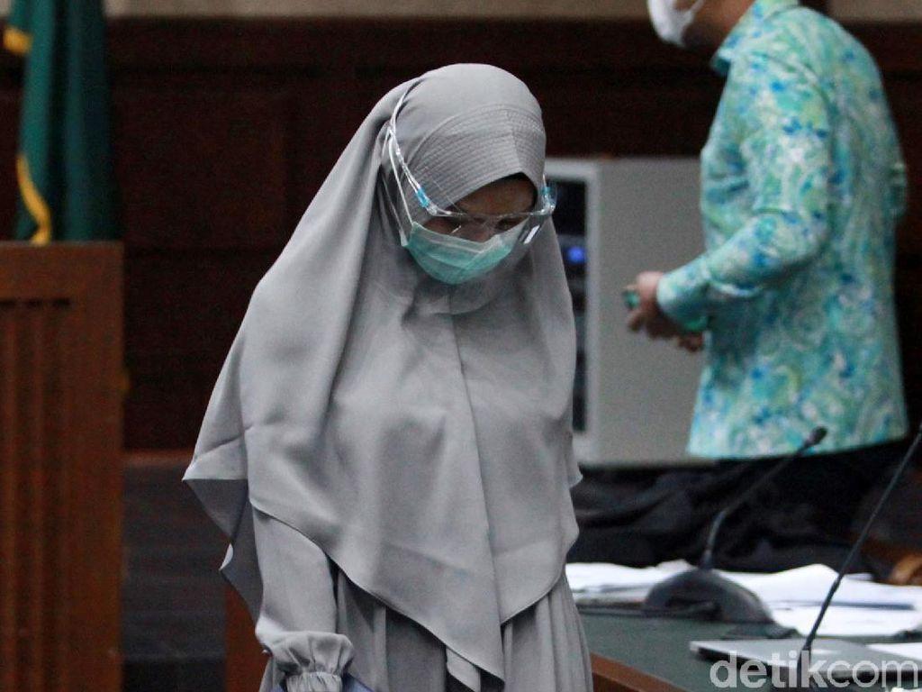 Tangis Pinangki Menyesal Terlibat Kasus: Saya Mau Jadi Ibu Rumah Tangga Saja