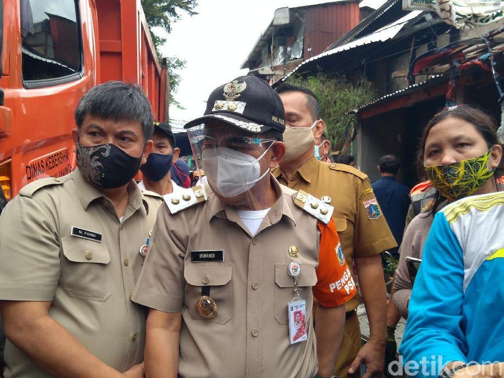 Plh Wali Kota Jakarta Pusat Tinjau Kebakaran di Petamburan 2