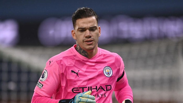 MANCHESTER, ENGLAND - NOVEMBER 28: Ederson of Manchester City looks on during the Premier League match between Manchester City and Burnley at Etihad Stadium on November 28, 2020 in Manchester, England. Sporting stadiums around the UK remain under strict restrictions due to the Coronavirus Pandemic as Government social distancing laws prohibit fans inside venues resulting in games being played behind closed doors. (Photo by Laurence Griffiths/Getty Images)