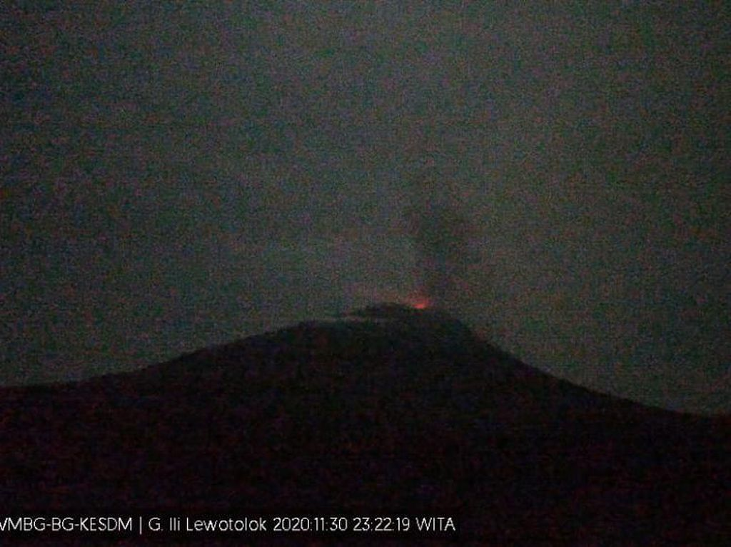 Gunung Lewotolok NTT Kembali Erupsi, Tinggi Abu Capai 700 Meter