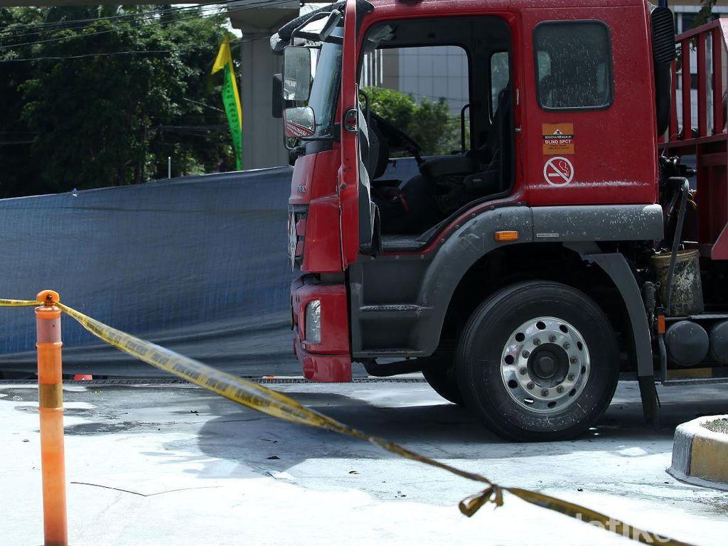 Truk Tangki Terbakar di SPBU MT Haryono, Polisi: Sopir Terluka