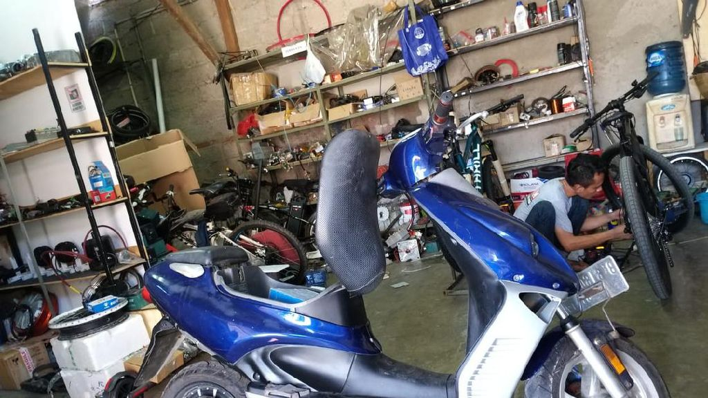 Potret Bengkel Petrikbike: Masuk Motor Bensin, Keluar Motor Listrik
