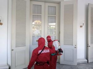 Semua Area di Balai Kota DKI Disemprot Disinfektan Usai Anies Positif COVID
