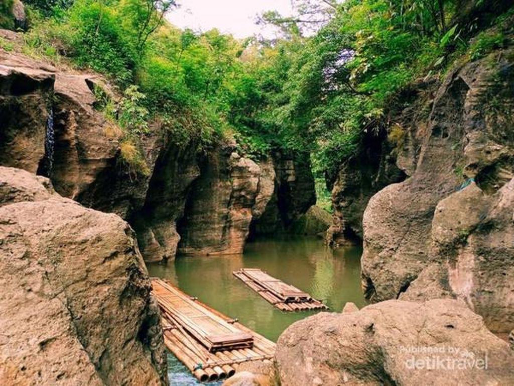 Foto: Sungai Cikahuripan, Green Canyon dari Bandung Barat