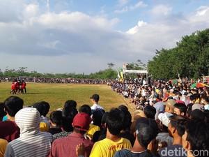 Wasit-Camat Diperiksa soal Kerumunan Penonton Bola Tarkam di Serang