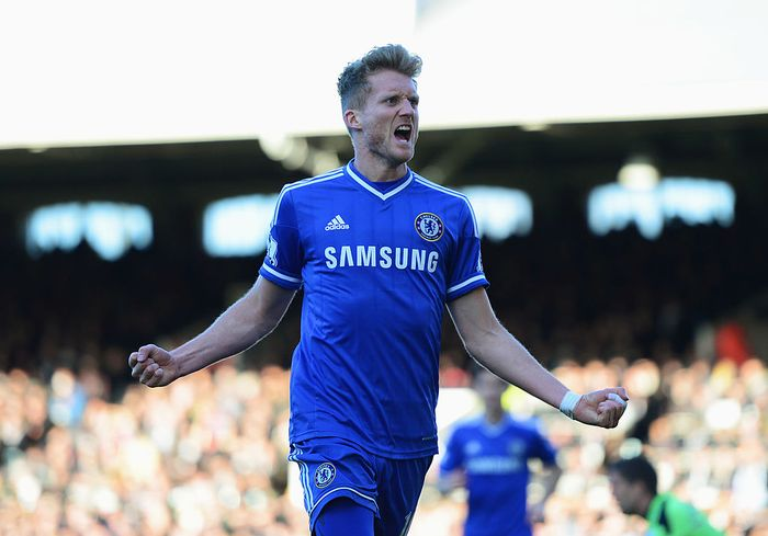 LONDON, ENGLAND - MARCH 01:  Andre Schurrle of Chelsea celebrates as he scores their first goal during the Barclays Premier League match between Fulham and Chelsea at Craven Cottage on March 1, 2014 in London, England.  (Photo by Jamie McDonald/Getty Images)