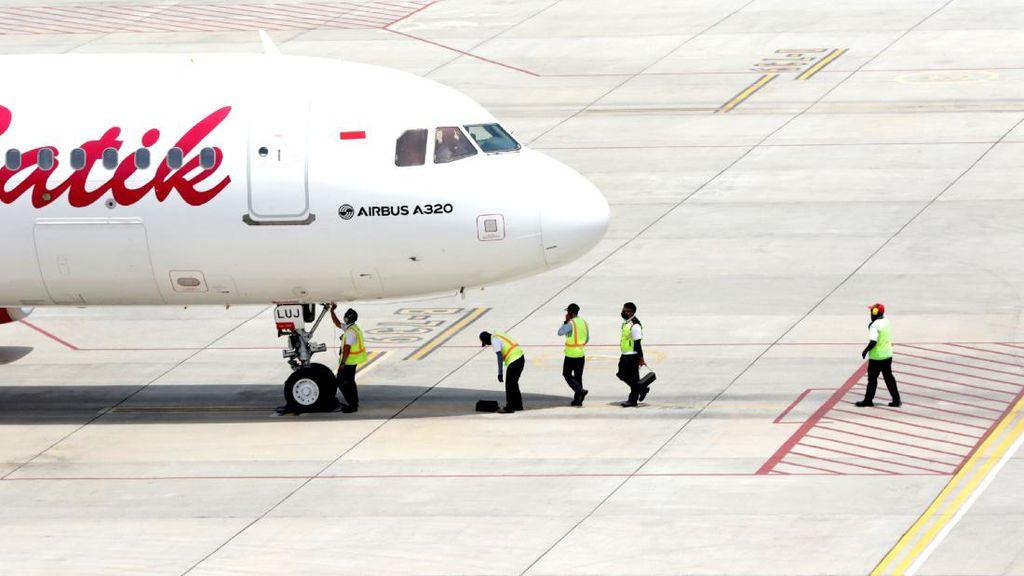 Hindari Abu Semeru, Jalur Penerbangan Bandara Banyuwangi Dialihkan