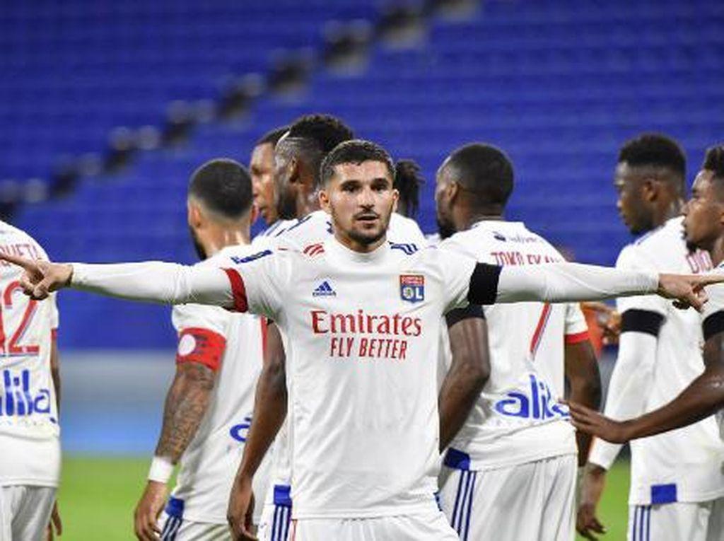 Dear Arsenal, Aouar Ingin Bertahan di Lyon Hingga Akhir Musim