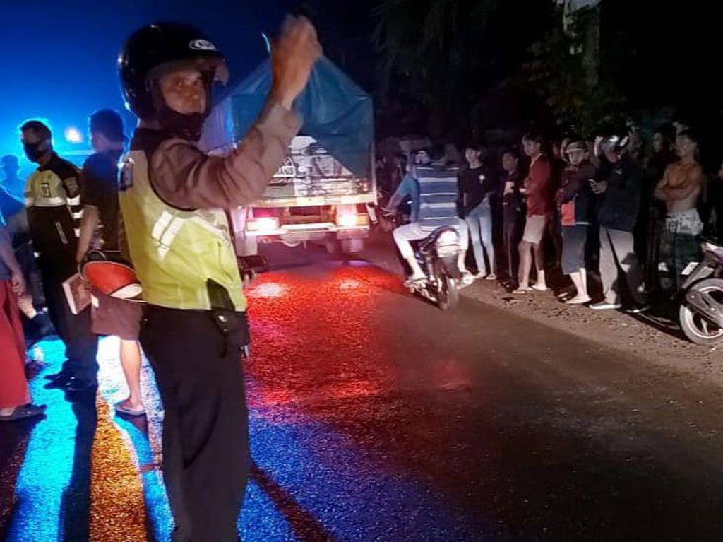 Motor Bonceng Empat Tabrak Truk Parkir di Tulungagung, Tiga Orang Tewas