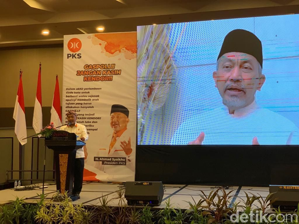 Soal HRS, Presiden PKS Sebut Law Enforcement Jangan Tebang Pilih