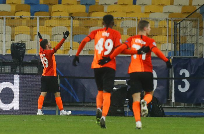 Shakhtars Manor Solomon celebrates after scoring his sides second goal during the Champions League, Group B, soccer match between Shakhtar Donetsk and Real Madrid at the Olimpiyskiy Stadium in Kyiv, Ukraine, Tuesday, Dec. 1, 2020. (AP Photo/Efrem Lukatsky)