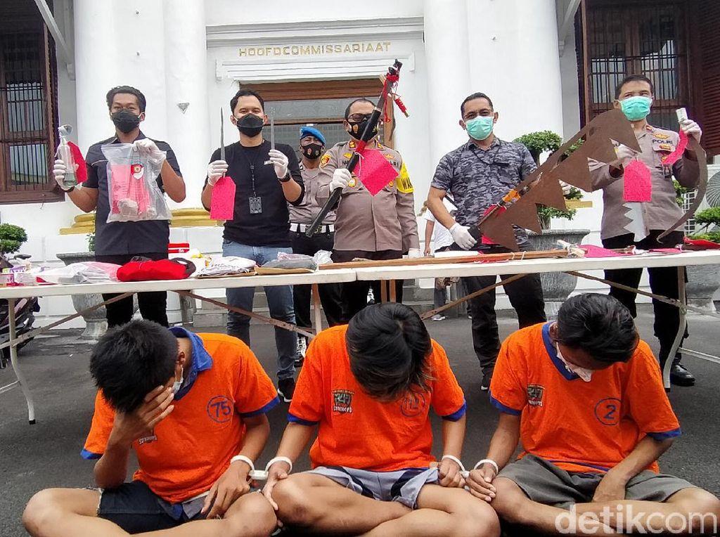 Polisi Tangkap 5 Orang soal Tawuran yang Tewaskan Remaja di Surabaya