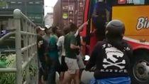 Kejadian Sopir Bus Ngeblong Dihajar Warga Diselesaikan Secara Kekeluargaan