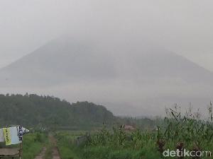 Gunung Semeru Hari Ini Kembali Diprakirakan Diguyur Hujan