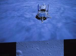 Foto: Momen Pesawat Luar Angkasa China Mendarat di Bulan