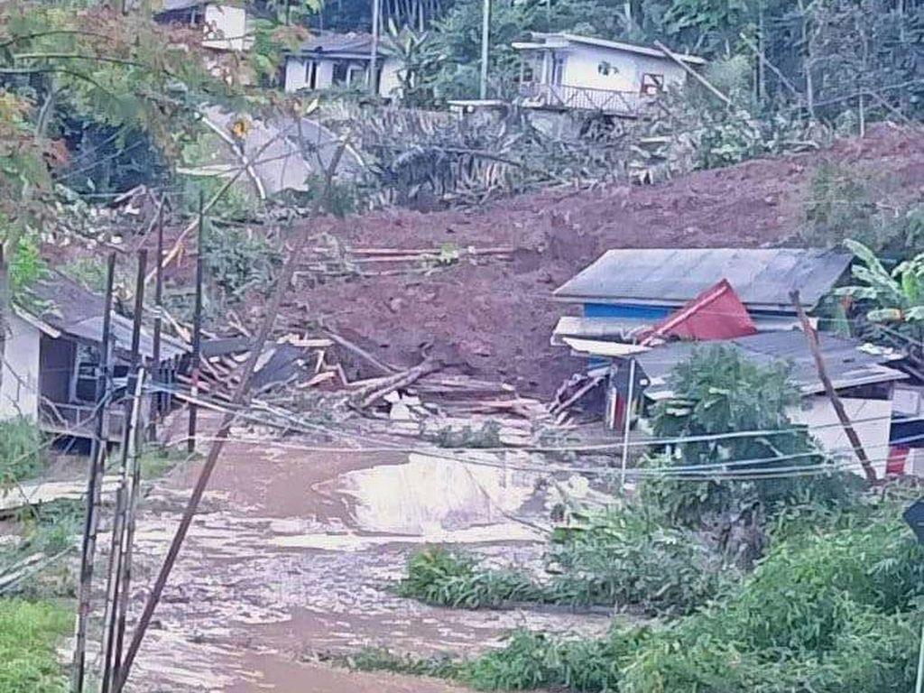 20 Rumah Tertimbun Longsor di Garut, BPBD Jabar: 180 Orang Ngungsi