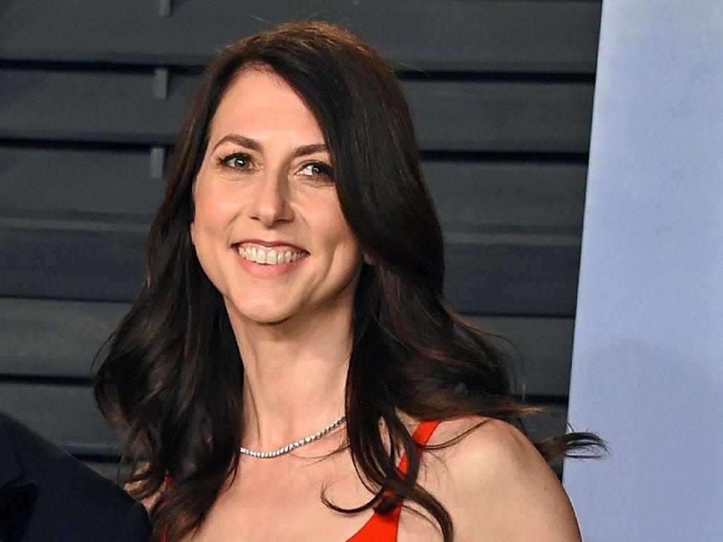 Mantan Istri Orang Terkaya Dunia MacKenzie Scott Sudah Menikah Lagi!