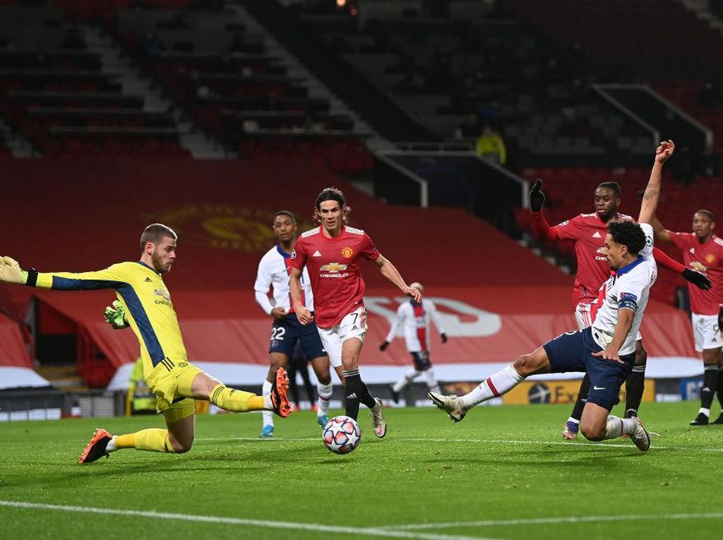 Old Trafford Sedang Jadi Mimpi Buruk Man United