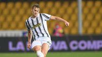 Pemain Juventus Matthijs de Light Positif Corona