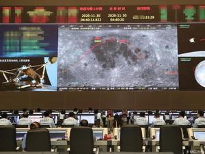 Misi Berhasil! China Bawa Sampel Material Bulan ke Bumi