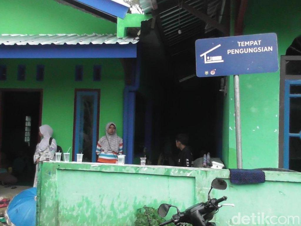 Muncul Rekahan di Permukiman, Ratusan Warga di Banjarnegara Ngungsi