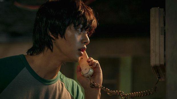 Cha Hyun-soo (Song Kang) dalam serial Sweet Home.