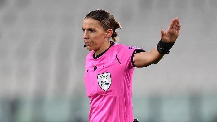 TURIN, ITALY - DECEMBER 02: Match Referee Stephanie Frappart  during the UEFA Champions League Group G stage match between Juventus and Dynamo Kyiv at Allianz Stadium on December 02, 2020 in Turin, Italy. Sporting stadiums around Italy remain under strict restrictions due to the Coronavirus Pandemic as Government social distancing laws prohibit fans inside venues resulting in games being played behind closed doors. (Photo by Valerio Pennicino/Getty Images)