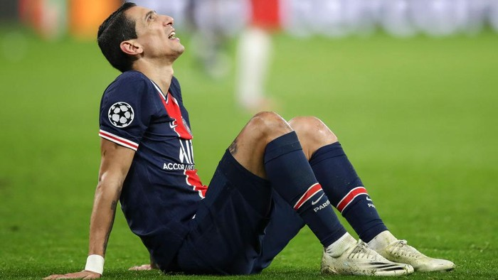 LEIPZIG, GERMANY - NOVEMBER 04: Angel Di Maria of Paris Saint-Germain reacts during the UEFA Champions League Group H stage match between RB Leipzig and Paris Saint-Germain at Red Bull Arena on November 04, 2020 in Leipzig, Germany. (Photo by Maja Hitij/Getty Images)