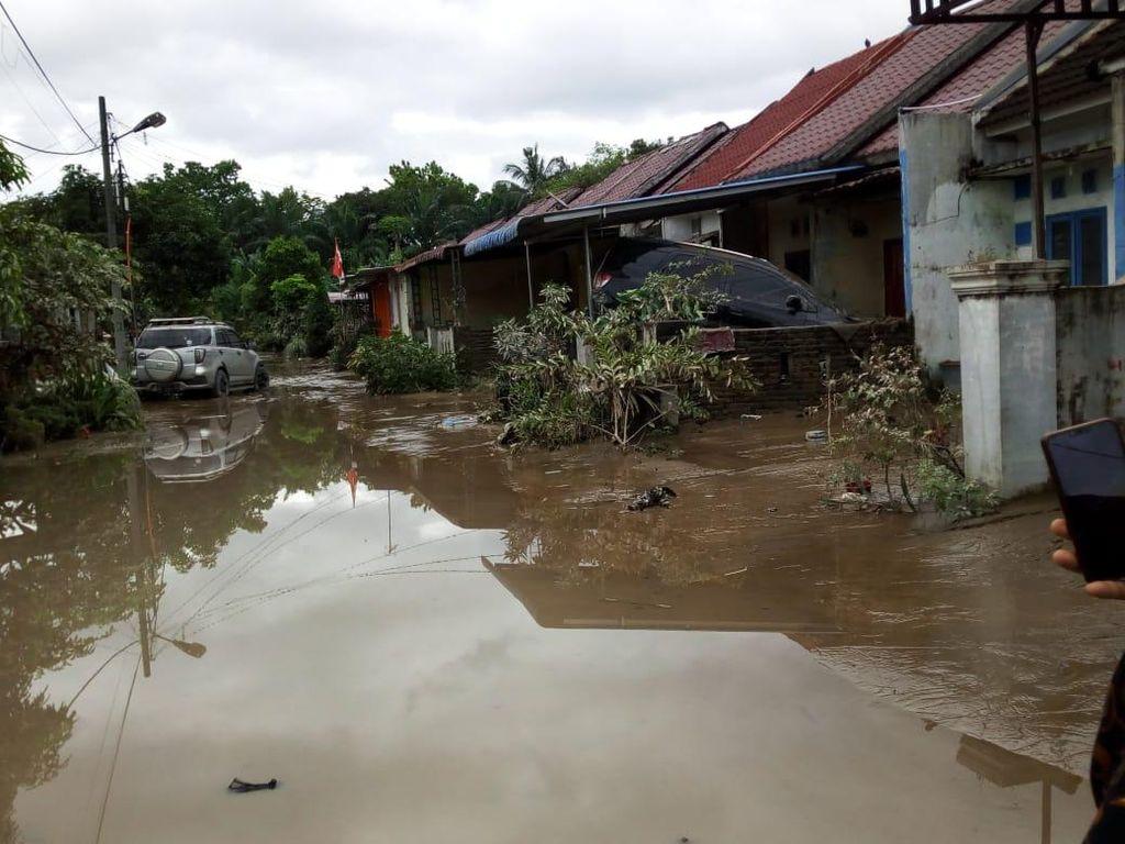 Kemensos Janji Santuni Keluarga Korban Banjir yang Tewas di Medan