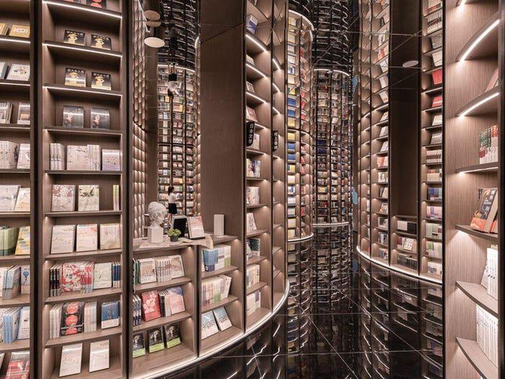 Ada Toko Buku Ala Perpustakaan Harry Potter di China