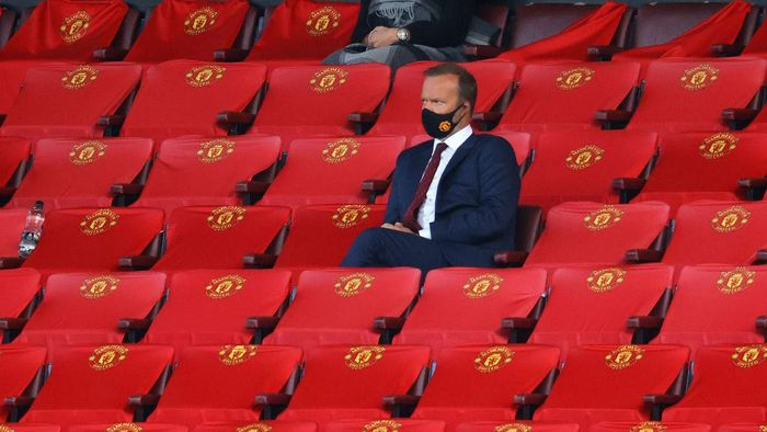 MANCHESTER, ENGLAND - SEPTEMBER 19: Ed Woodward, Executive Vice-Chairman of Manchester United looks on from the stands during the Premier League match between Manchester United and Crystal Palace at Old Trafford on September 19, 2020 in Manchester, England. (Photo by Richard Heathcote/Getty Images )