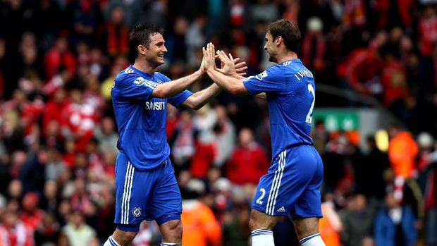 LIVERPOOL, ENGLAND - MAY 02:  Frank Lampard and Branislav Ivanovic of Chelsea celebrate following their team's 2-0 victory during the Barclays Premier League match between Liverpool and Chelsea at Anfield on May 2, 2010 in Liverpool, England.  (Photo by Clive Brunskill/Getty Images)