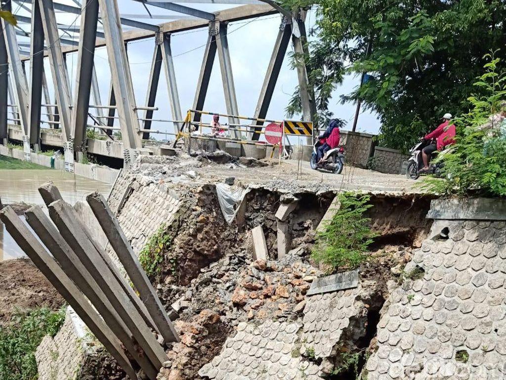 Terus Abrasi, Jembatan Glendeng Penghubung Tuban-Bojonegoro Kembali Ditutup
